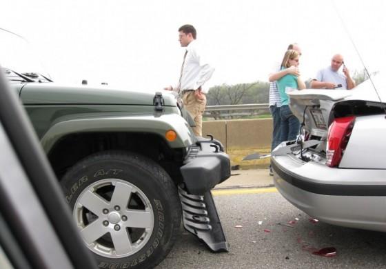 Kolizja na drodze? Kierowcy liczą na wsparcie swojego ubezpieczyciela