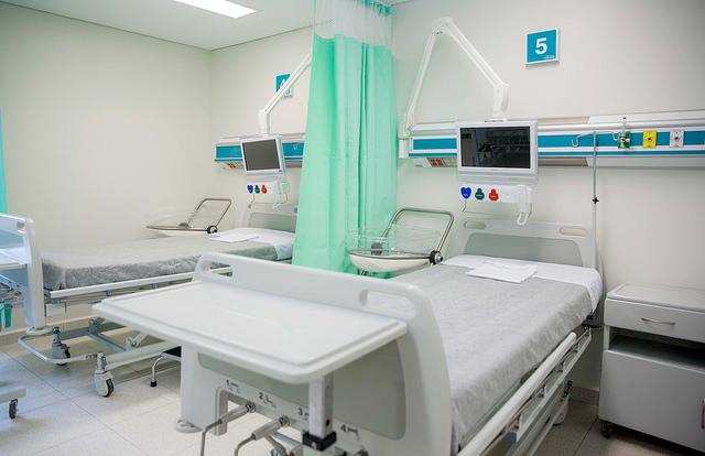 Szpitale i przychodnie czeka w najbliższych latach cyfrowa rewolucja. Elektroniczne skierowania oraz recepty usprawnią i przyspieszą obsługę pacjentów