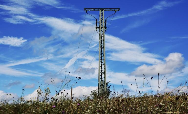 Polacy niechętnie zmieniają dostawców prądu. W ciągu 10 lat tylko 3 proc. odbiorców zdecydowało się to zrobić