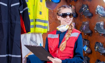 Proponowane zmiany w przepisach BHP mogą zmniejszyć bezpieczeństwo pracowników. Większa odpowiedzialność spadnie na pracodawców