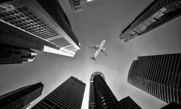Jeden na 40 lotów Polaków jest opóźniony lub odwołany. Większość podróżnych nie zna swoich praw