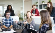 Formalności administracyjne to wciąż największa bariera przy zatrudnianiu cudzoziemców. Skarży się na nie prawie połowa firm