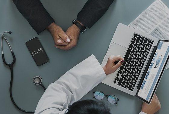 Elektroniczne zwolnienia są już obowiązkowe. Lekarze mogą wystawiać tradycyjne L4 tylko w awaryjnych sytuacjach