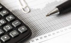 Ostatni miesiąc na rozliczenie z fiskusem. Podatnicy mogą się posłużyć PIT-em wypełnionym przez urząd, ale powinni sprawdzić ulgi i 1 proc.