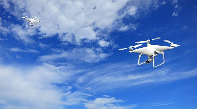Od przyszłego roku nowe unijne przepisy na rynku dronów. Wprowadzą m.in. obowiązek certyfikacji i rejestracji