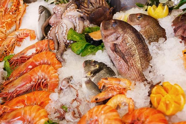 Tańsze pieczywo, droższe owoce morza. VAT uderzy w smakoszy ośmiorniczek
