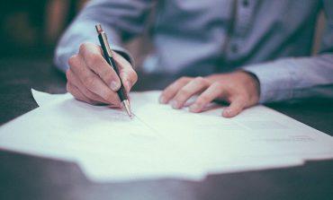 Banki przechodzą na podpisy elektroniczne. W przyszłości parafowanie umów w sposób tradycyjny może być zabronione